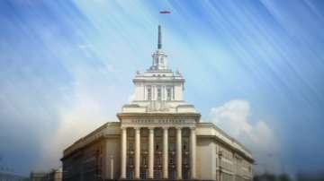 Изключиха захранването на парламента заради монтажи в новата пленарна зала
