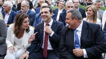 След споразумението с Еврогрупата: Алексис Ципрас сложи вратовръзка