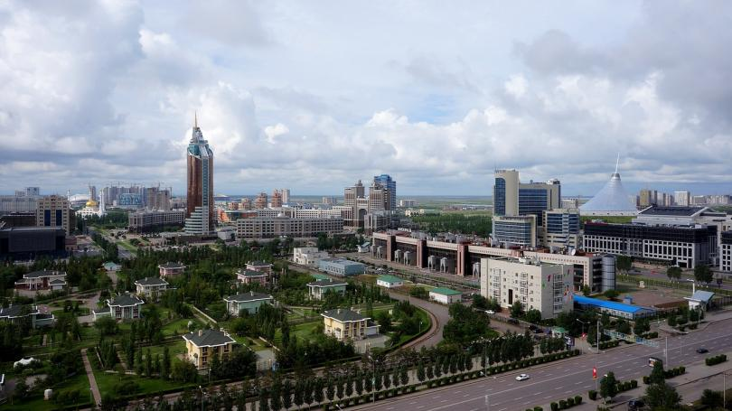 предлагат столицата казахстан наречена назарбаев