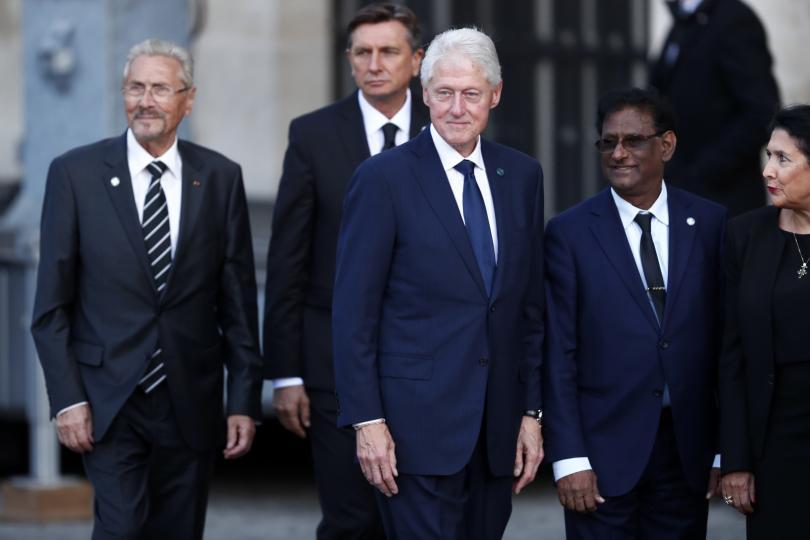 снимка 1 Световни лидери се поклониха пред Жак Ширак