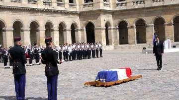 Франция се сбогува със Симон Вейл
