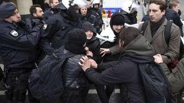 Сблъсъци между крайнолеви и полиция в Кьолн