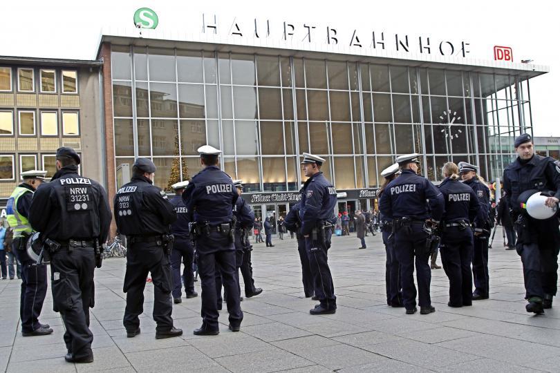 снимка 6 Кой е виновен за нападенията в Кьолн?
