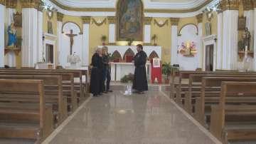 Двама италианци служат в най-старата католическа църква в България
