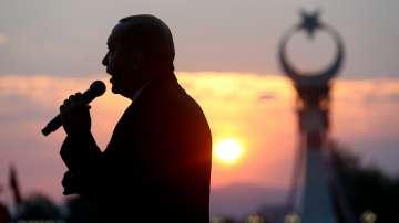 Продължават масовите прояви в Турция за годишнината от опита за преврат