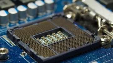 Милиарди компютри по света са засегнати от сериозни уязвимости в процесорите им