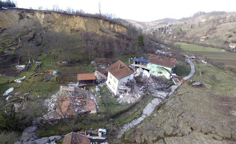 Наводнения и на района на Балканите. В Хърватия те предизвикаха