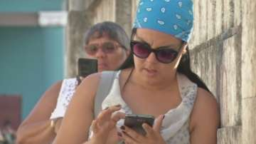 Куба проведе тест на мобилен интернет в цялата страна