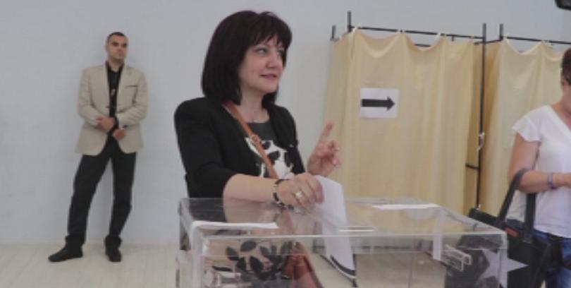 Председателят на парламента Цвета Караянчева заяви,че подкрепя публикуването на екзитполовете