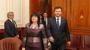 Цвета Караянчева се срещна с председателя на чешкия парламент