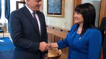 Цвета Караянчева е на официално посещение в Черна гора