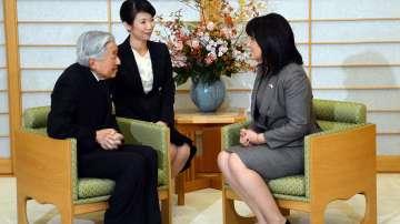 На среща с японския император - разказва журналистът от БНТ Надежда Василева