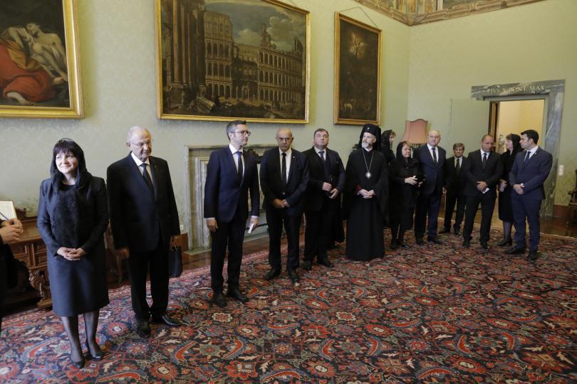 снимка 12 Папа Франциск прие водената от Цвета Караянчева делегация във Ватикана (СНИМКИ)