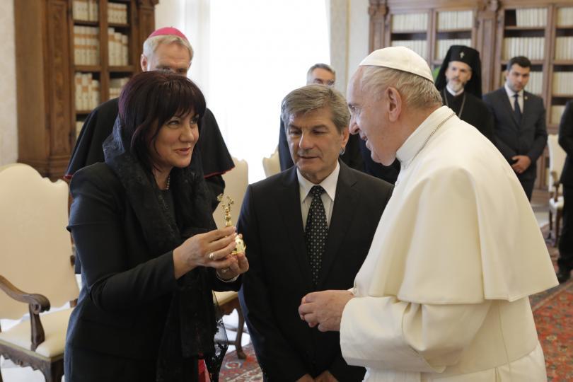 снимка 8 Папа Франциск прие водената от Цвета Караянчева делегация във Ватикана (СНИМКИ)