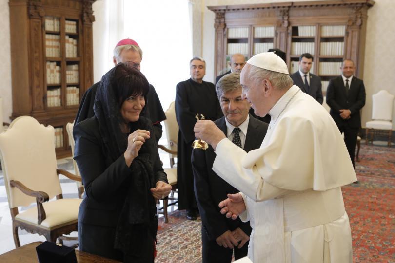 снимка 9 Папа Франциск прие водената от Цвета Караянчева делегация във Ватикана (СНИМКИ)