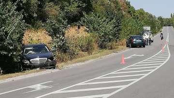 Автомобил с председателя на НС Цвета Караянчева катастрофира край Хитрино