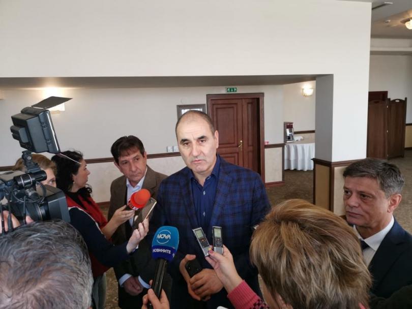 Председателят на парламентарната група на ГЕРБ коментира предстоящите избори. Според