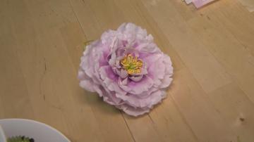 Как се прави сладкарска декорация от вафлена хартия?