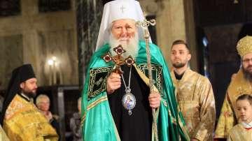Православните християни празнуват Цветница