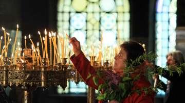 Православният свят почита големия християнски празник Цветница