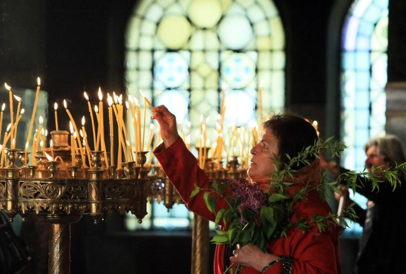 Днес празнуваме Цветница, наричан още Връбница. По традиция Цветница винаги