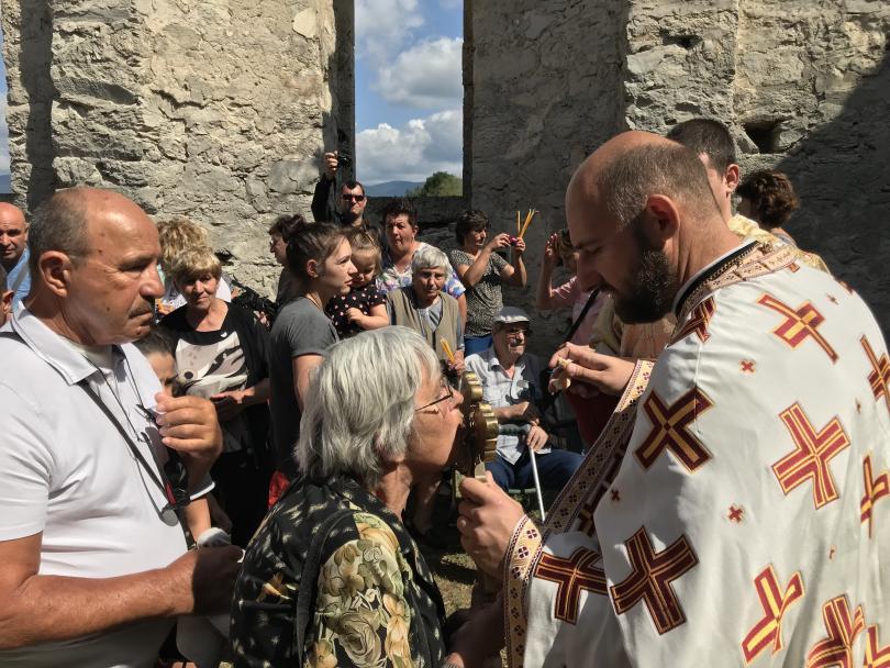 снимка 4 След 56 години прекъсване в Потопената църква отслужиха литургия