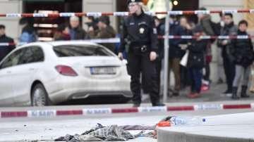 Мъж се самозапали в центъра на Прага