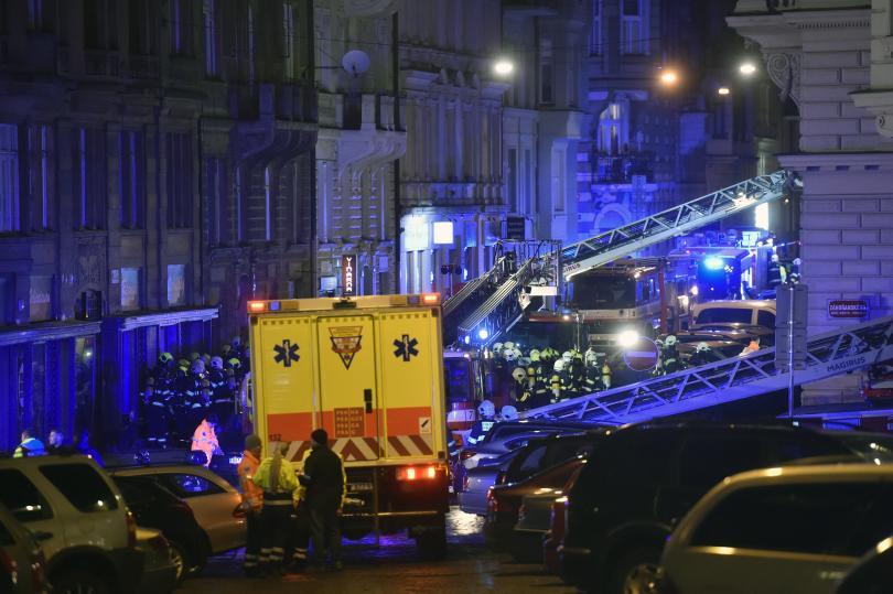 Броят на загиналите от разразилия се вчера пожар в четиризвезден