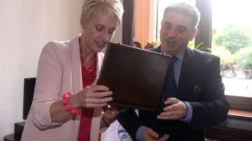 Данаил Кирилов се срещна с посланика на Великобритания Ема Хопкинс