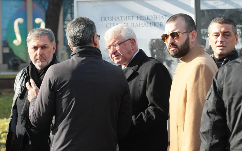снимка 8 България се сбогува с най-обичания си актьор - Стефан Данаилов