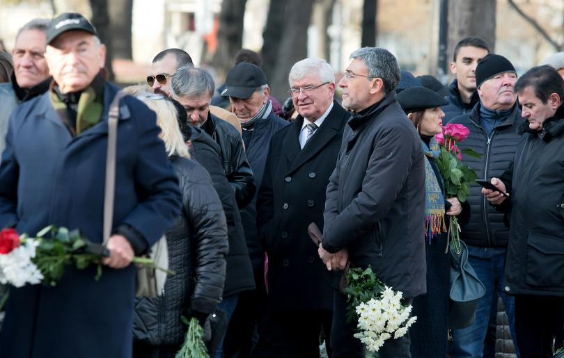 снимка 3 България се сбогува с най-обичания си актьор - Стефан Данаилов