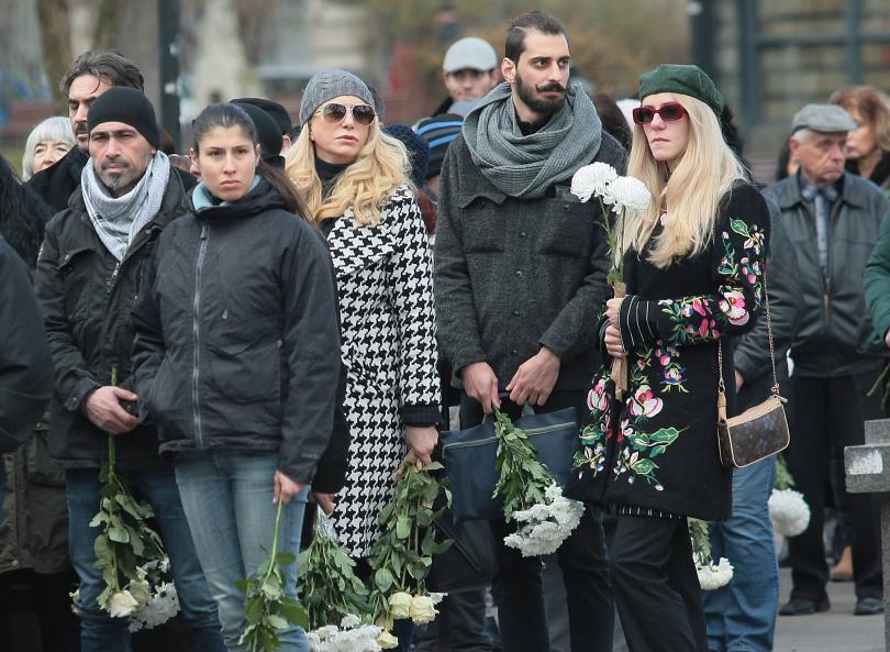 снимка 7 България се сбогува с най-обичания си актьор - Стефан Данаилов
