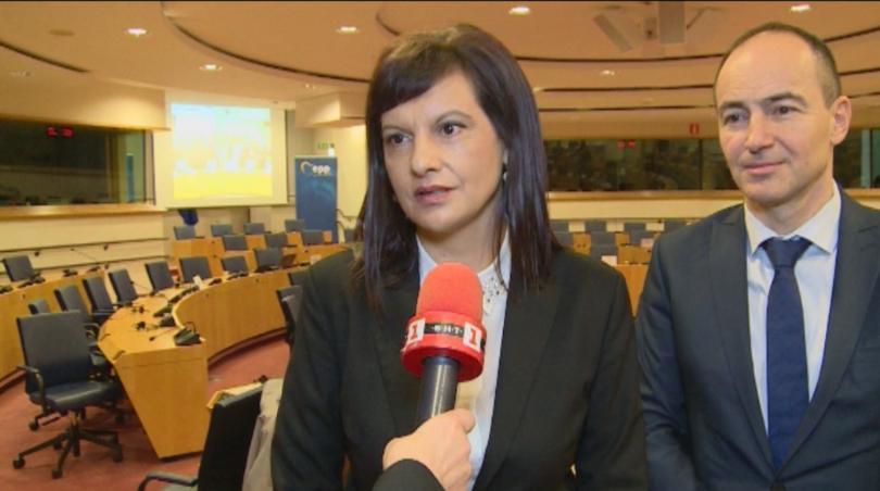 Председателят на ПГ на ГЕРБ Даниела Дариткова повдигна в Брюксел