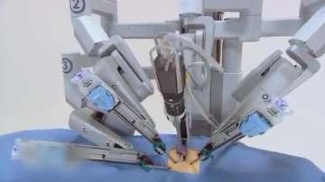 Ръцете, които дават живот. 10 години от първата операция на робота Да Винчи