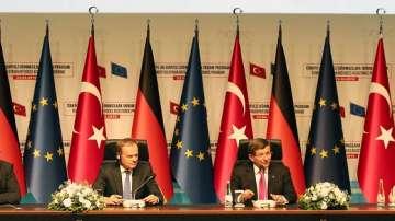 Тимерманс: Споразумението с Турция работи