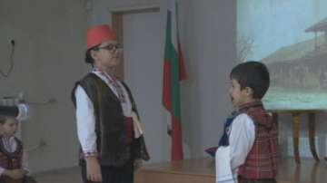 Героите на Освобождението оживяха в пиесите на деца в детска градина Чебурашка