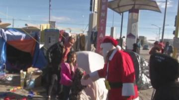 Подаръци зарадваха децата в мигрантския лагер в мексиканския град Хуарес