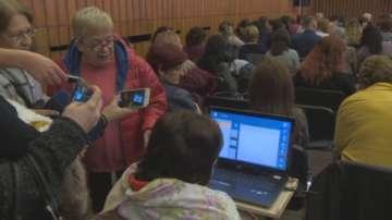 Деца с церебрална парализа проговарят чрез компютри