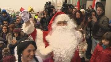 Във Варна шият дрехите на Дядо Коледа?