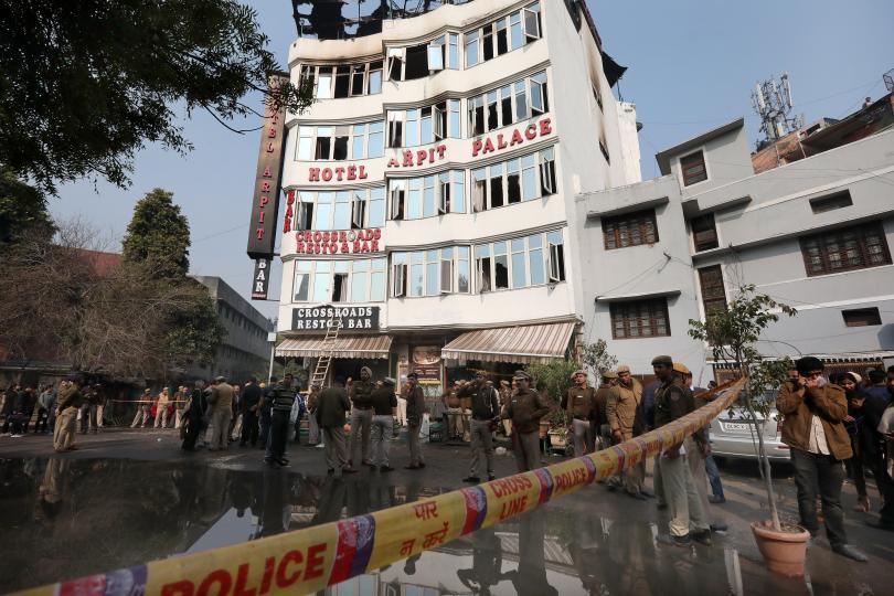 Снимка: Най-малко 17 души са загинали при пожар в хотел в Делхи