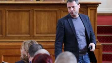Нов скандал Добрев - Йончева с обвинения за офшорки и клевети