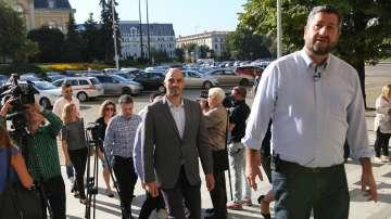 Демократична България внесе 5400 подписа за регистрация в ЦИК