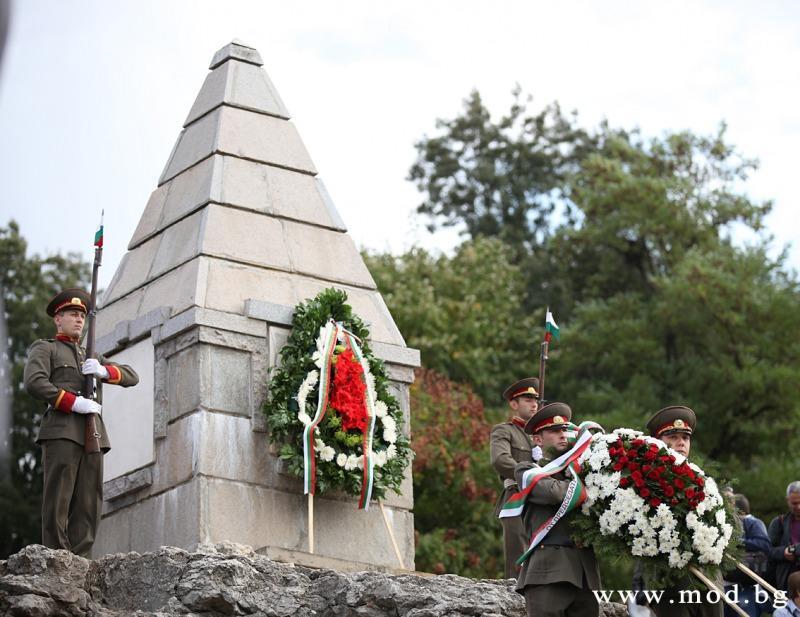 Кулминацията на честванията е в град Велико Търново, където тържествата