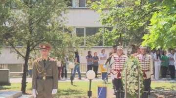Поднесоха венци и цветя пред Паметника на медицинските чинове в София
