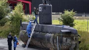 Все още издирват шведката, пътувала с частна подводница