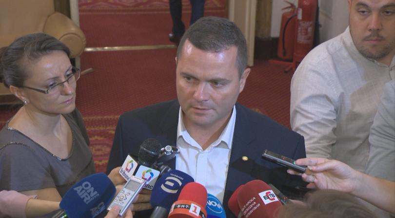 В парламента от БСП поискаха изслушване на вицепремиера Томислав Дончев