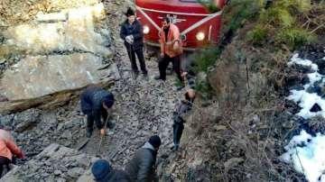 Възстановиха движението по ЖП линията Якоруда - Белица