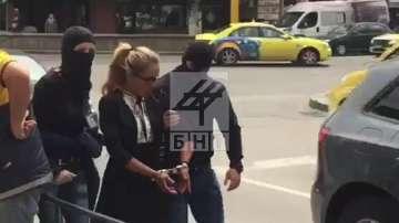 Арестуваха кмета на район Младост Десислава Иванчева (СНИМКИ+ВИДЕО)