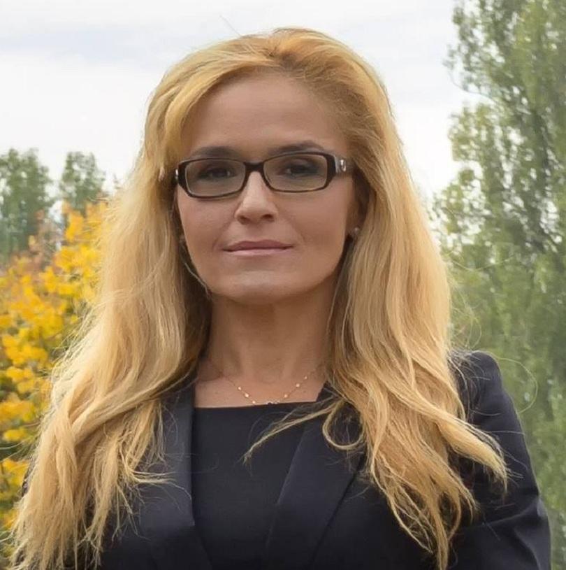 снимка 1 Кандидатът за кмет на Младост Десислава Иванчева не е подкрепяна от Зелените