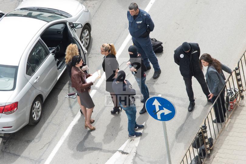снимка 4 Арестуваха кмета на район Младост Десислава Иванчева (СНИМКИ+ВИДЕО)